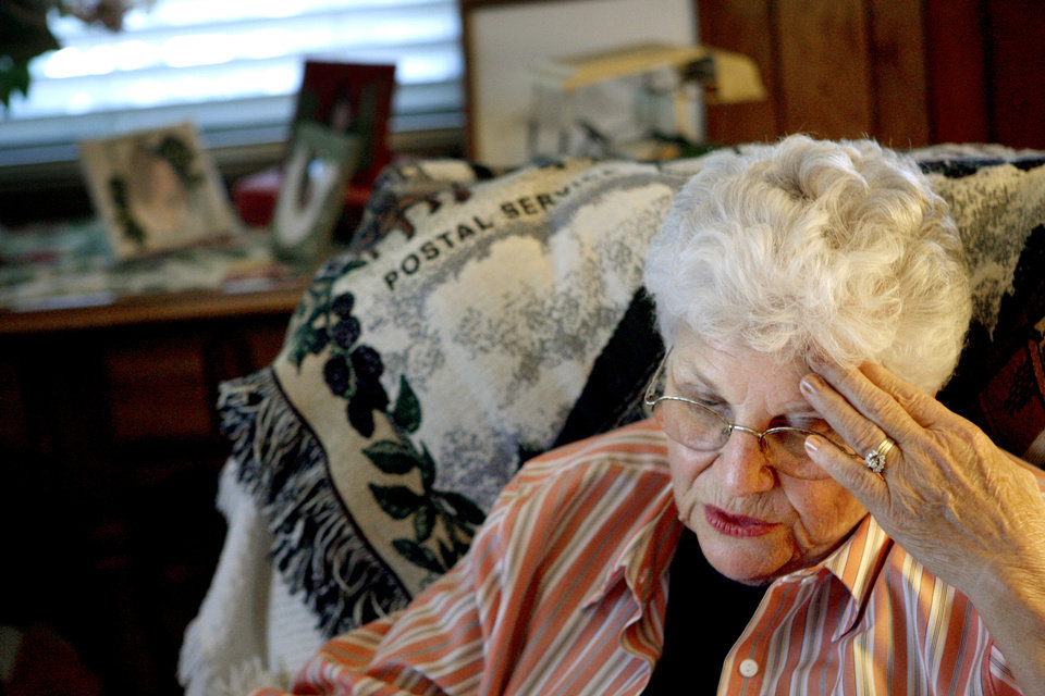 Photo - PONZI SCHEME: June McMahan, from her home near Meeker, Okla., on Tuesday, September 11, 2007, explains how she fell victim to Bill Hickman's fraudulent investment operation.  By Bryan Terry, The Oklahoman ORG XMIT: KOD