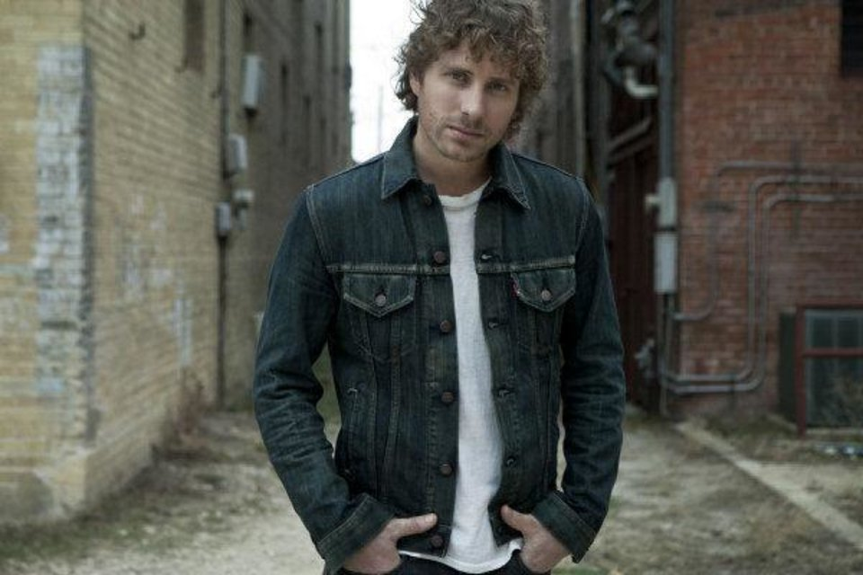 Photo - Dierks Bentley. Photo by James Minchin III