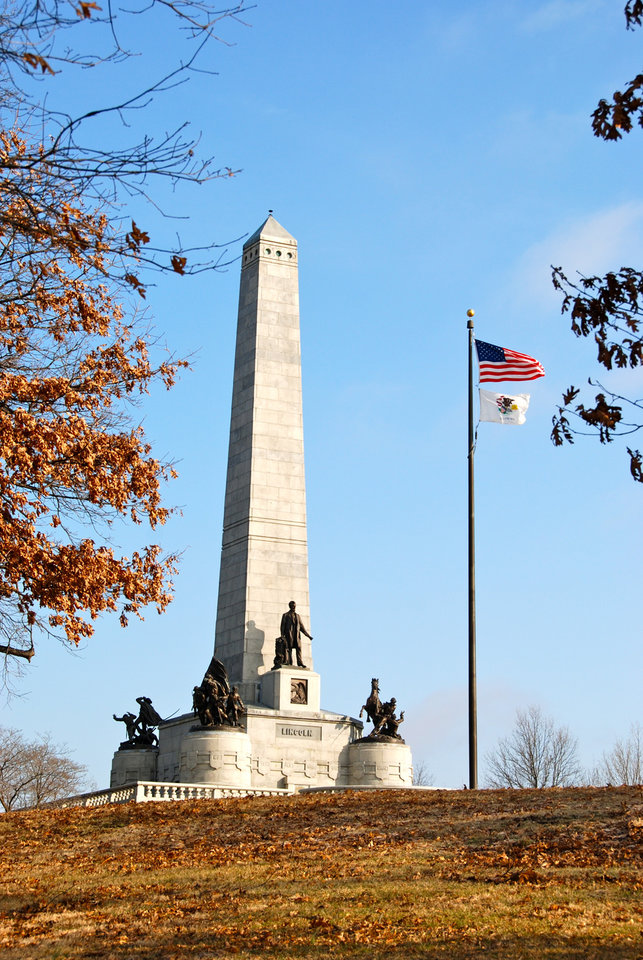 Photo -  The Lincoln Tomb in Springfield's Oak Ridge Cemetery is the burial site for President Lincoln, his wife Mary and three of his boys. PHOTO PROVIDED BY NANCY LEONARD