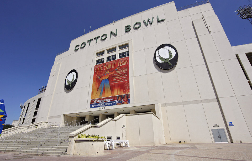 Photo - RENOVATE / RENOVATED: Renovations to the Cotton Bowl exterior on display to the media on Wednesday, Sept 17,  2008, in Dallas, Texas.  by Chris Landsberger,The Oklahoman ORG XMIT: KOD