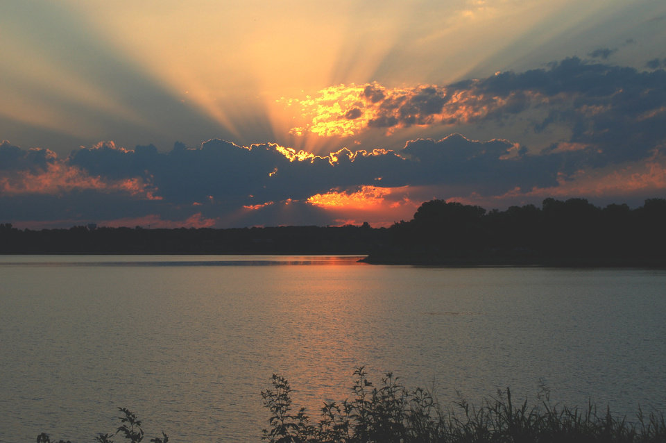 The dawning of a new day over the lake.     (Overholser)<br/><b>Community Photo By:</b> Eldon Harris<br/><b>Submitted By:</b> Eldon, Bethany