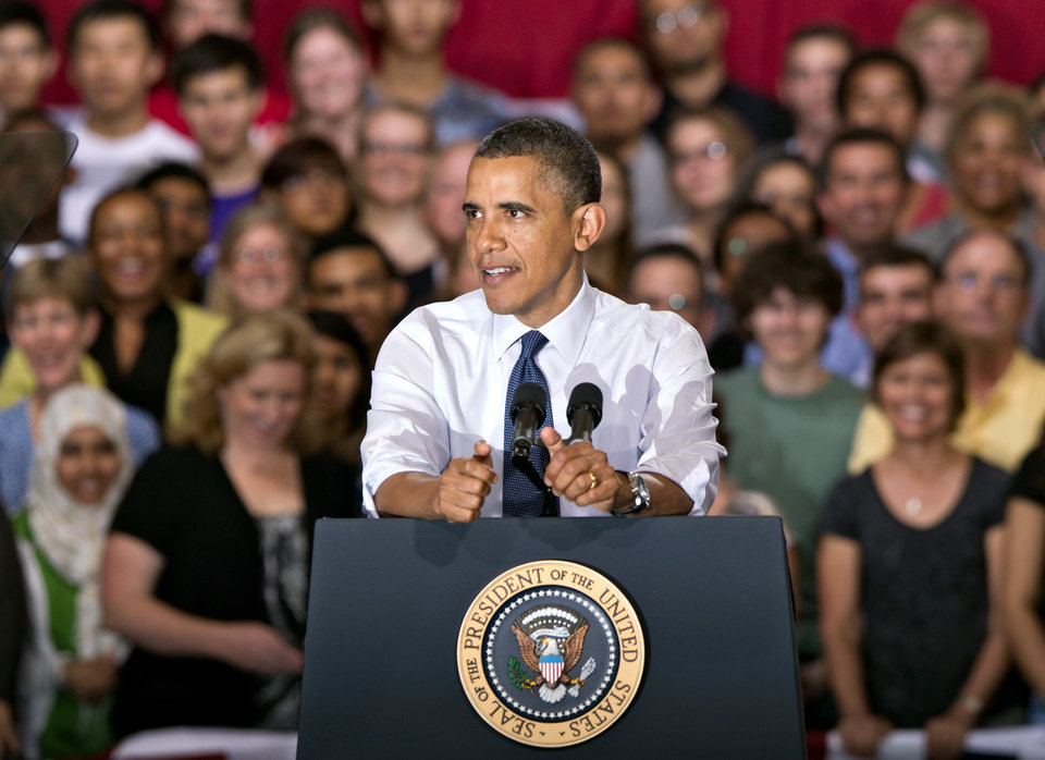 Photo -   President Barack Obama speaks to students and parents at Washington-Lee High School in Arlington, Va., Friday, May 4, 2012, about his efforts to prevent interest rates from doubling on federal student loans. (AP Photo/J. Scott Applewhite)
