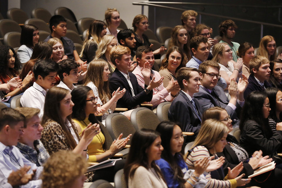 Photo -  Students applaud during the gubernatorial debate Thursday night at Oklahoma City Community College. [Photo by Jim Beckel, The Oklahoman]