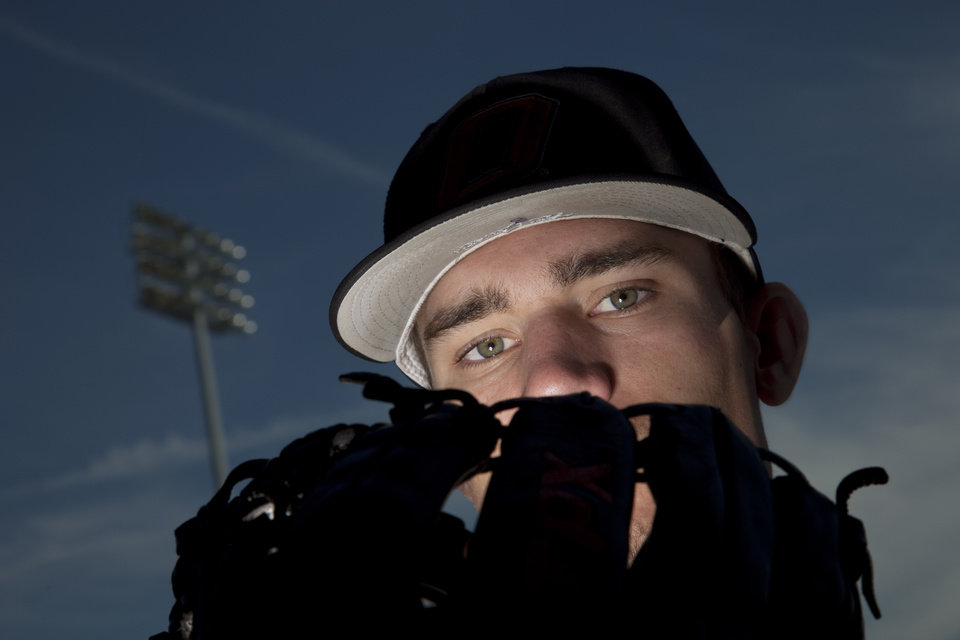 Photo - OKLAHOMA STATE UNIVERSITY / COLLEGE BASEBALL: OSU baseball pitcher Andrew Heaney at Reynolds Stadium in Stillwater Thursday, May 17, 2012. Photo by Doug Hoke, The Oklahoman