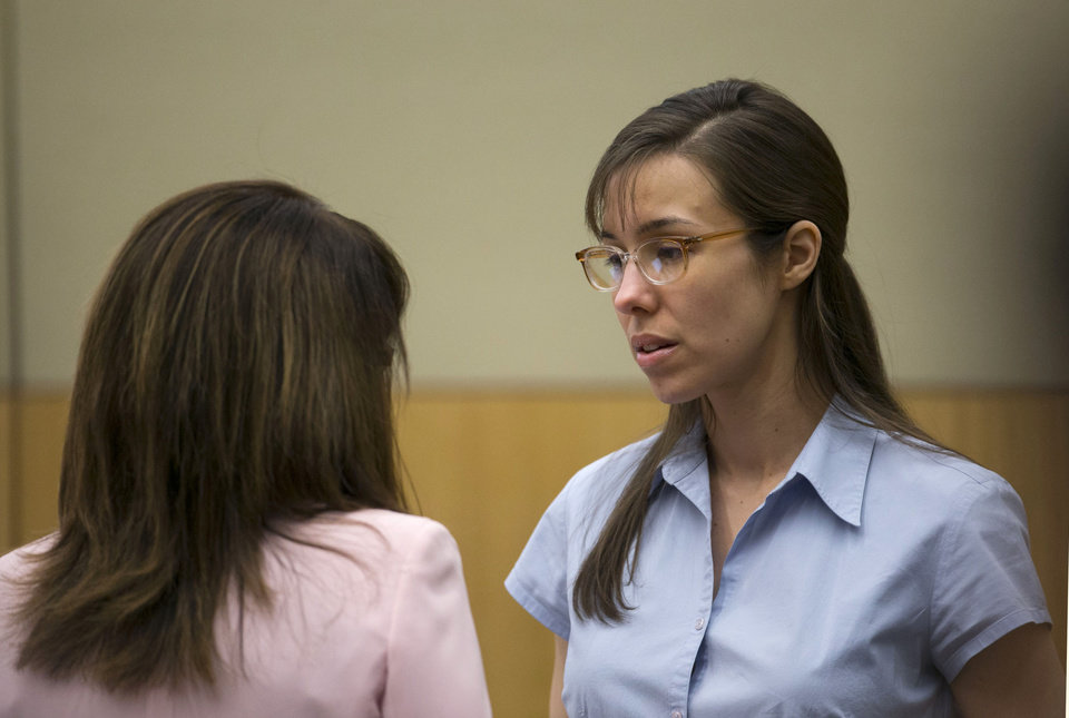 Jodi Arias, right, talks to her attorney, Jennifer Wilmott during her trial at Maricopa County Superior Court in Phoenix on Wednesday, April 10, 2013. Arias is on trial for the killing Travis Alexander, in 2008. (AP Photo/The Arizona Republic, David Wallace, Pool)