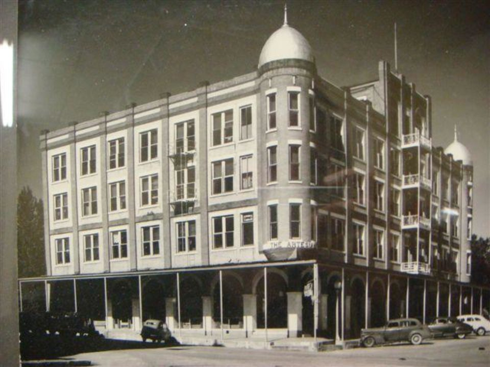 Photo - old artesian hotel photos sulphur
