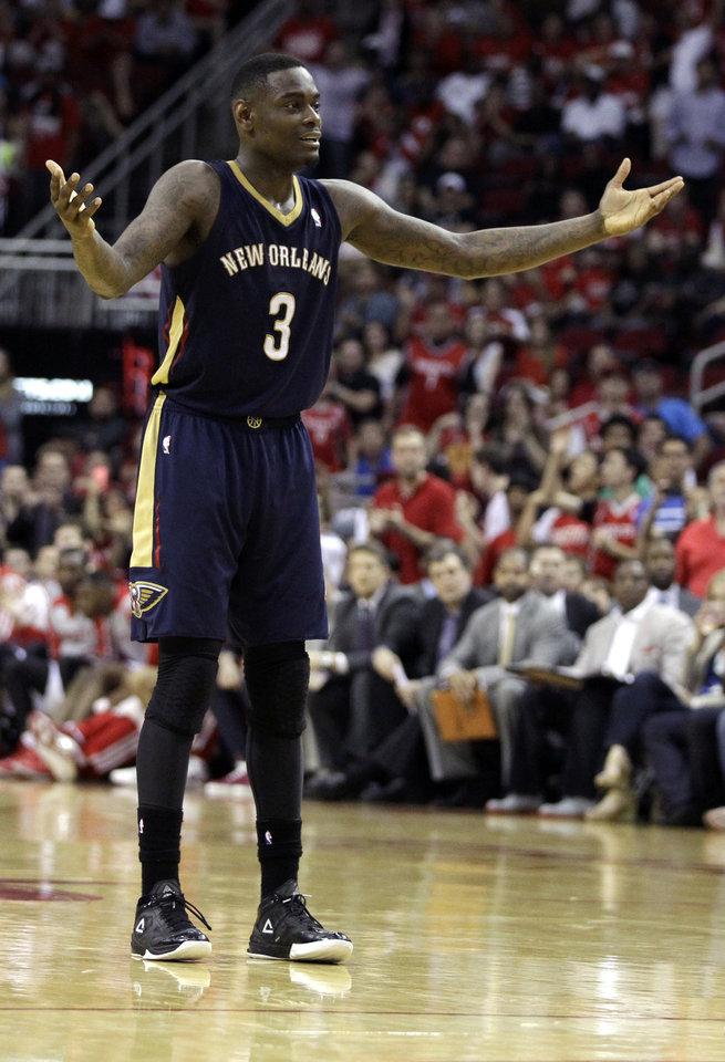New Orleans Pelicans' Anthony Morrow argues a foul call during the fourth quarter of an NBA basketball game against the Houston Rockets, Saturday, April 12, 2014, in Houston. The Rockets defeated the Pelicans 111-104. (AP Photo/Patric Schneider)