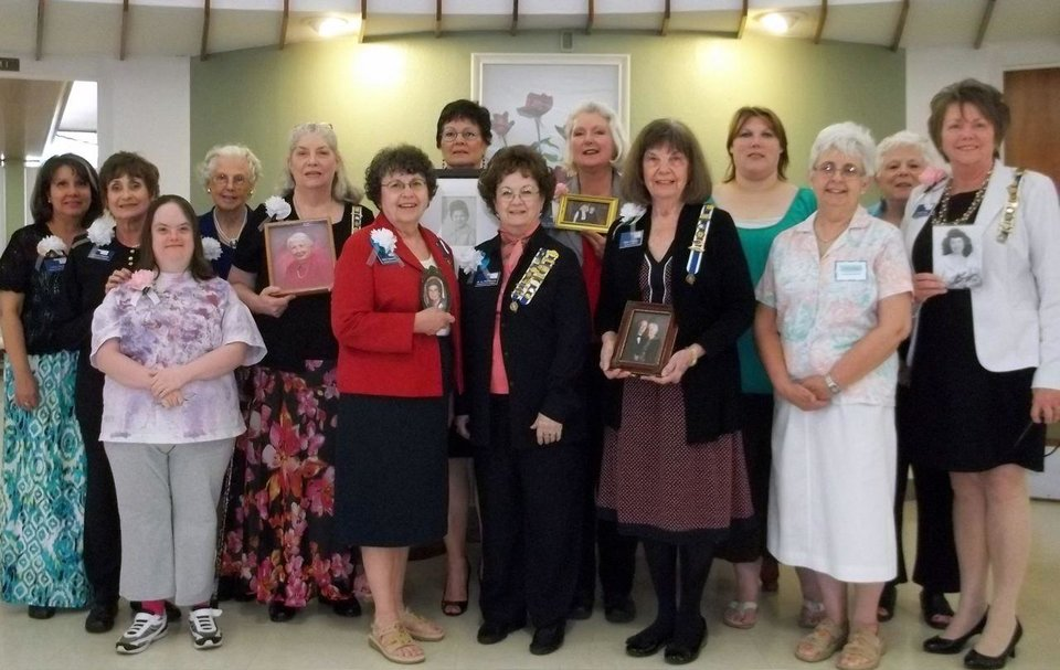 Photo -  LuAnn Kanaly, Frances and Alicia Johnson, Betty Lou McMartin, Libby Hays, Jean Crosswhite, Barbara Fitzwater, LaNell Shores, Gina McCasland, Dotty Crabtree, Angie Wagner, Dorothy Krempl, Phyllis Narcomey, Carol Comp. PHOTO PROVIDED   Picasa