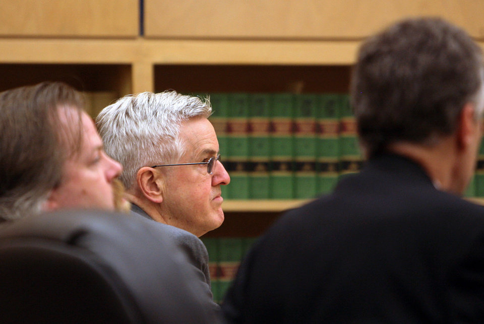 Photo -   Steve Powell appears in court for his trial at the Pierce County Superior Court in Tacoma, Wash., Monday, May 14, 2012. Powell faces 14 voyeurism counts, including accusations that he filmed two neighbor girls using their second-floor bathroom. (AP Photo/The Salt Lake Tribune, Steve Griffin) DESERET NEWS OUT; LOCAL TV OUT; MAGS OUT