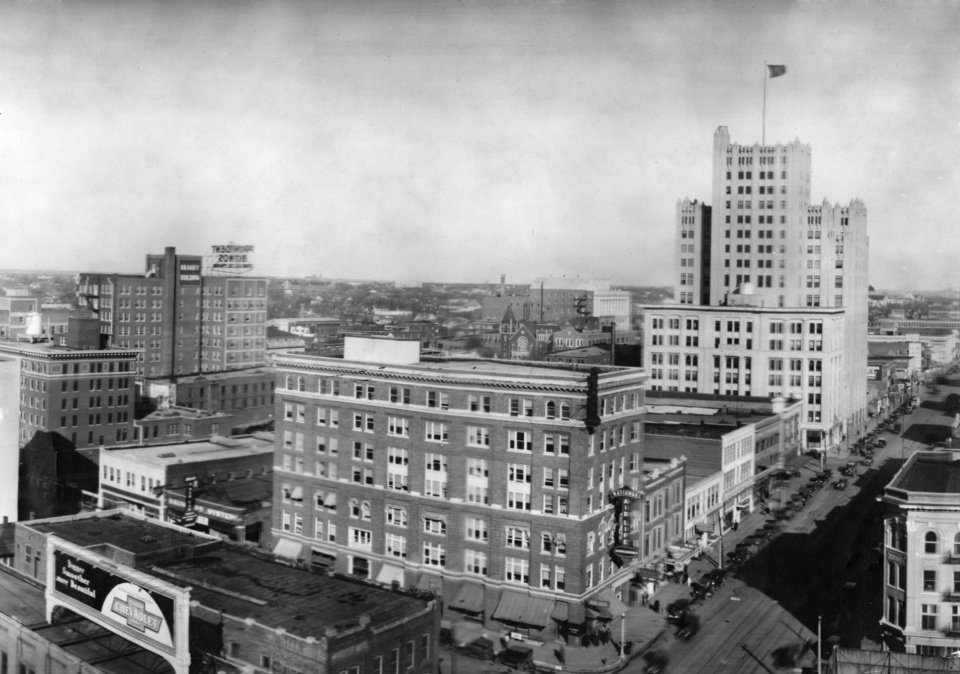 OKLAHOMA CITY / SKY LINE / OKLAHOMA:  Southwestern Bell Telephone Building.  Photo undated and published on 02/10/1929 in The Daily Oklahoman.