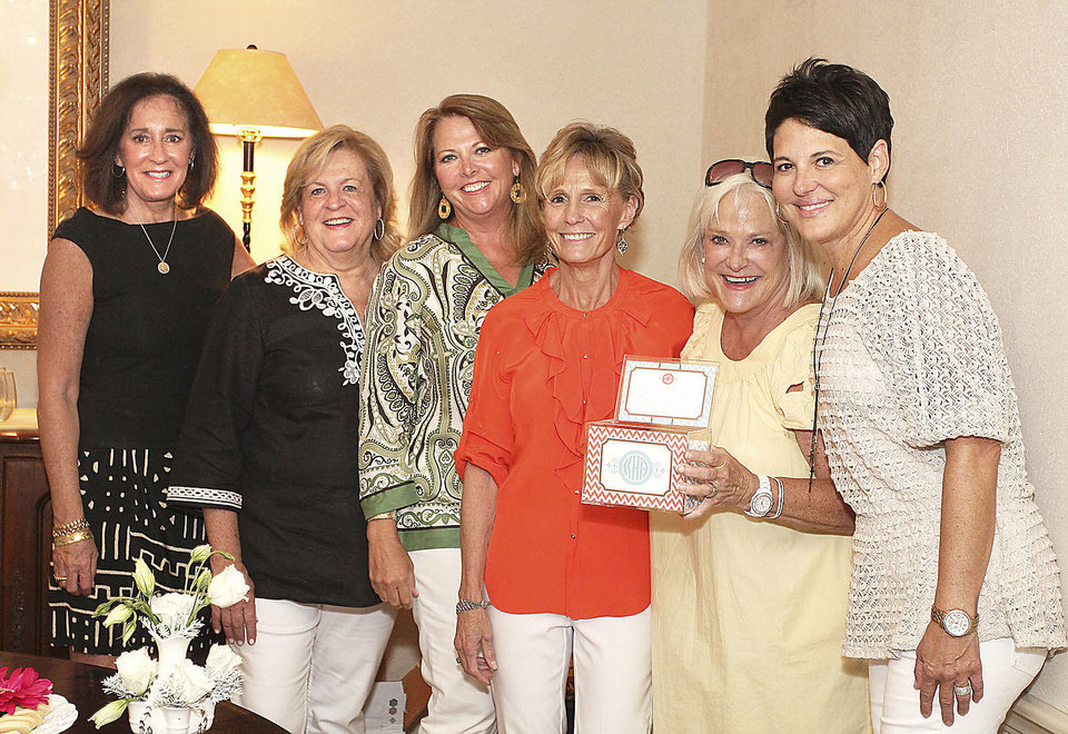 Pat Northwood, Cindy Heatly, Patty Anthony, Debby McQueen, Joanie Holmboe, Jamie Taylor.