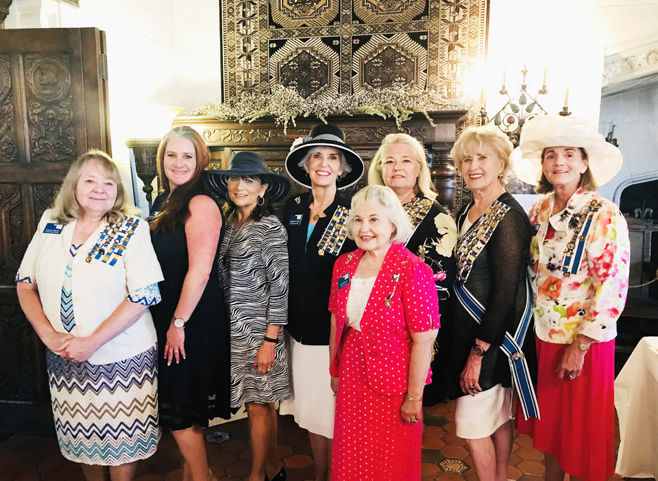 Photo - Norma Hughes, Gayle Demeyer, Rosalind Doyle Tripplet, Andrea Wallis Aven, Sara Hill Memmott, Teresa Ellis Cales, Pat Miller McFall, Nancy Ellen Devinney Lee. PHOTO BY KRISTEN FERATE