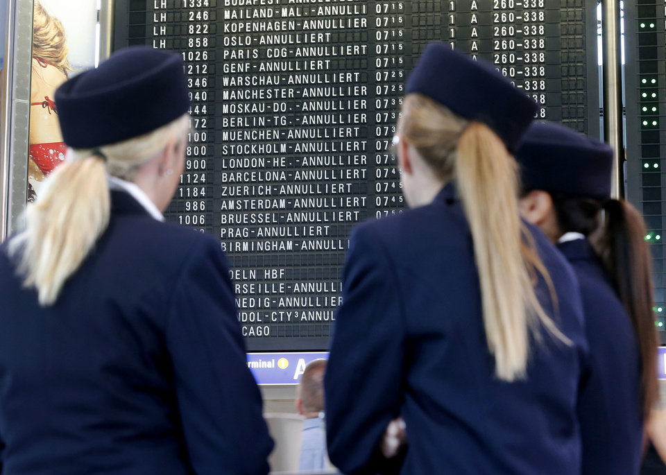 Photo -   Canceled flights are displayed on a board as flight attendants of German Lufthansa airline go on an 24-hour strike for higher wages at the airport in Frankfurt, Germany, Friday, Sept. 7, 2012. Lufthansa canceled about 1,200 flights. (AP Photo/Michael Probst)