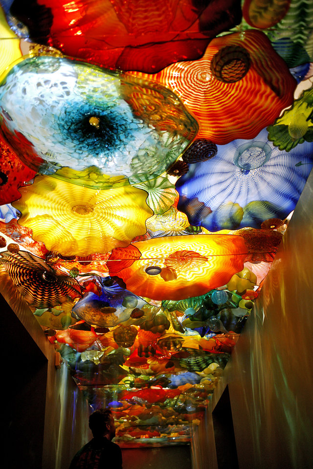 Photo - ARTWORK: Work by Dale Chihuly on display during the Sunday at the Museum at the Oklahoma City Museum of Art in Oklahoma City on Sunday, May 23, 2010. Photo by John Clanton, The Oklahoman ORG XMIT: KOD