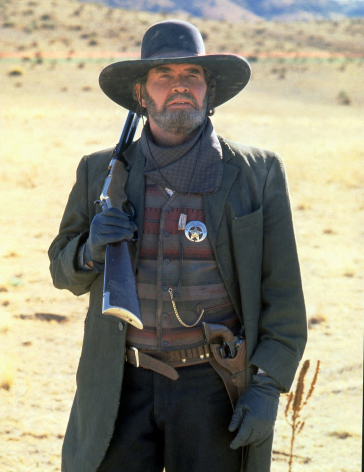 "Photo - ADVANCE FOR WEEKEND EDITIONS NOV. 10-12--James Garner portrays the aging bounty hunter Woodrow Call in the mini-series ""Streets of Laredo,"" which appears on CBS Nov. 12 and 14. The mini-series is a sequel to Larry McMurtry's ""Lonesome Dove."" (AP Photo/CBS, Bob Greene)"