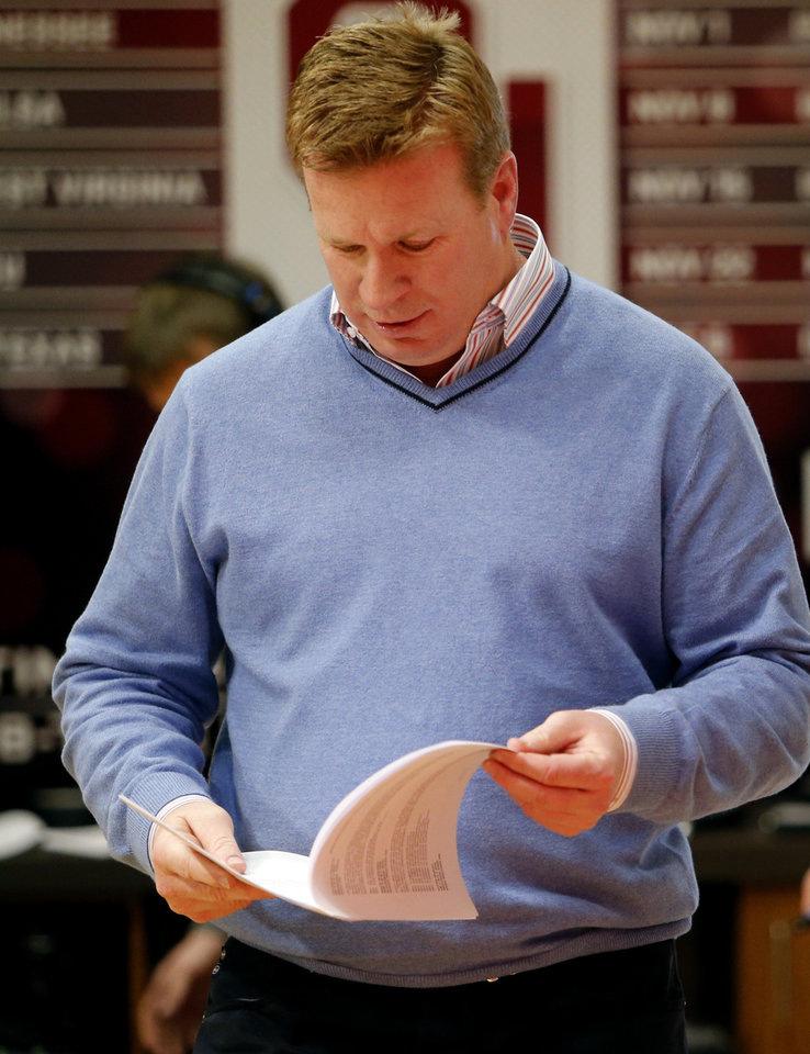 Photo - University of Oklahoma Sooners (OU) football Associate Head Coach Mike Stoops talks about  the 2014 recruiting class in the Adrian Peterson Meeting Room at Gaylord Family-Oklahoma Memorial Stadium in Norman, Okla., on Wednesday, Feb. 5, 2014. Photo by Steve Sisney, The Oklahoman