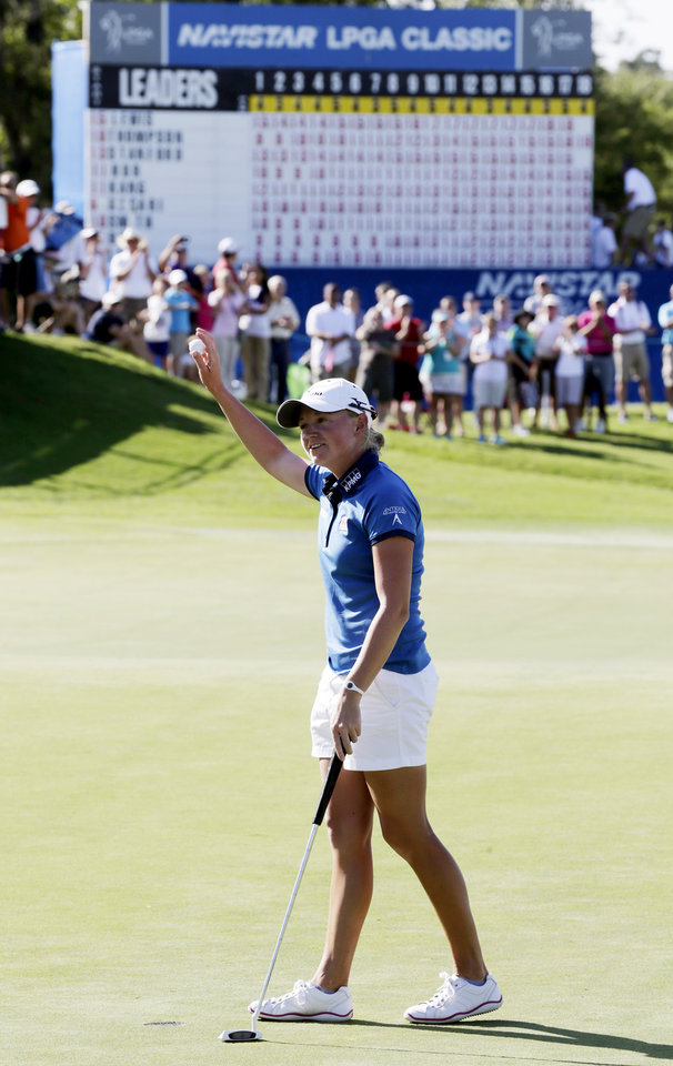 Photo -   Stacy Lewis reacts after winning the Navistar LPGA Classic golf tournament, Sunday, Sept. 23, 2012, at the Robert Trent Jones Golf Trail in Prattville, Ala. (AP Photo/Dave Martin)