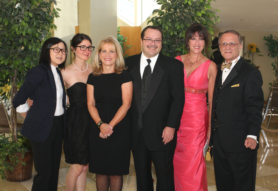 Photo -  Carolyn Hsu, Jacquelyn Moorad, Sherry and Brent Tipton, Kathy Sandler, Al Moorad attend the Jim Thorpe Courage Awards Dinner.