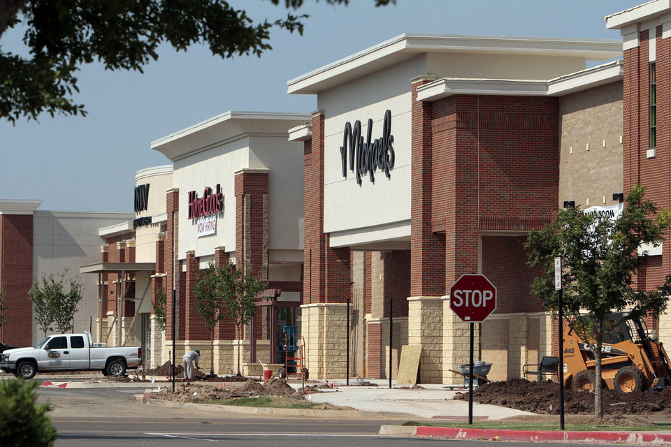 Photo - DSW, Homegoods, Michael's and other new retail sites are under construction in the University North Park area on Wednesday, Aug. 21, 2013 in Norman, Okla.  Photo by Steve Sisney, The Oklahoman