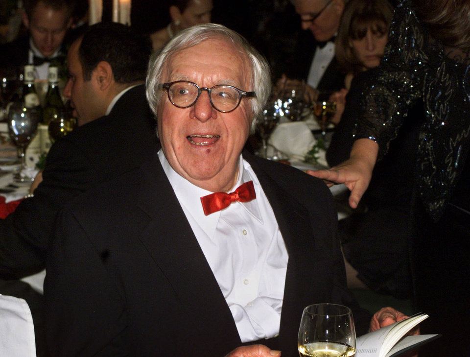 Photo -   FILE - This Nov. 15, 2000 file photo shows science fiction writer Ray Bradbury at the National Book Awards in New York where he was given the Medal for Distinguished Contribution to American Letters. Bradbury, who wrote everything from science-fiction and mystery to humor, died Tuesday, June 5, 2012 in Southern California. He was 91. (AP Photo/Mark Lennihan, file)