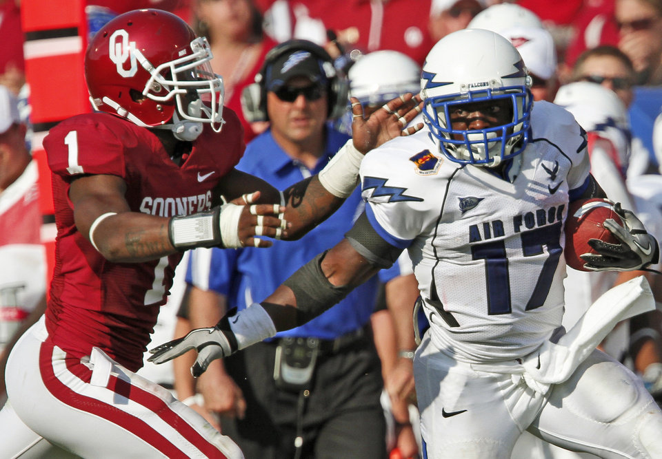 OU's Tony Jefferson chases down Asher Clark of Air Force during the second half of the college football gamebetween the University of Oklahoma Sooners (OU) and Air Force (AF) at the Gaylord Family-Oklahoma Memorial Stadium on Saturday, Sept. 18, 2010, in Norman, Okla.   Photo by Bryan Terry, The Oklahoman