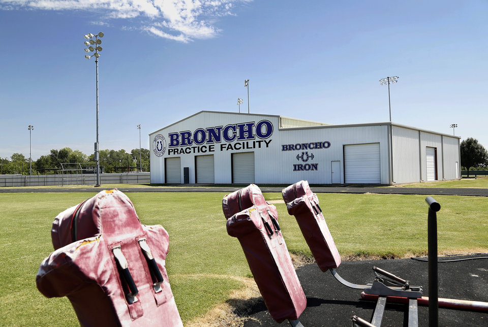 Photo - Bethany High School  indoor practice facility.  Photo by Jim Beckel, The Oklahoman