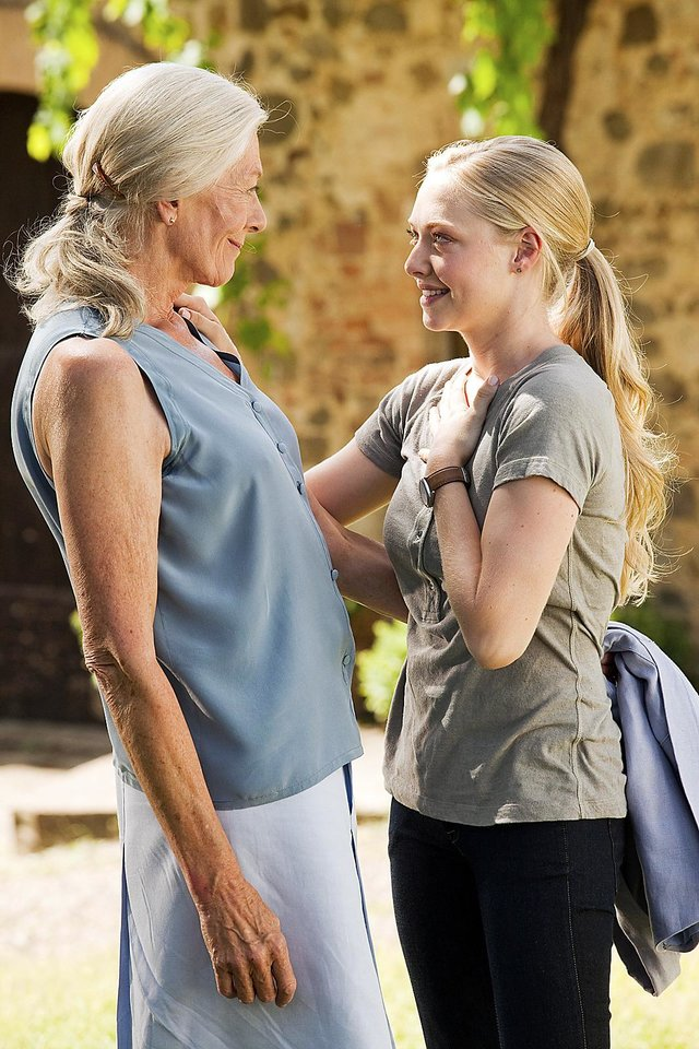 "Photo - Vanessa Redgrave, left, and Amanda  Seyfried co-star in ""Letters to Juliet."" Summit Entertainment Photo"
