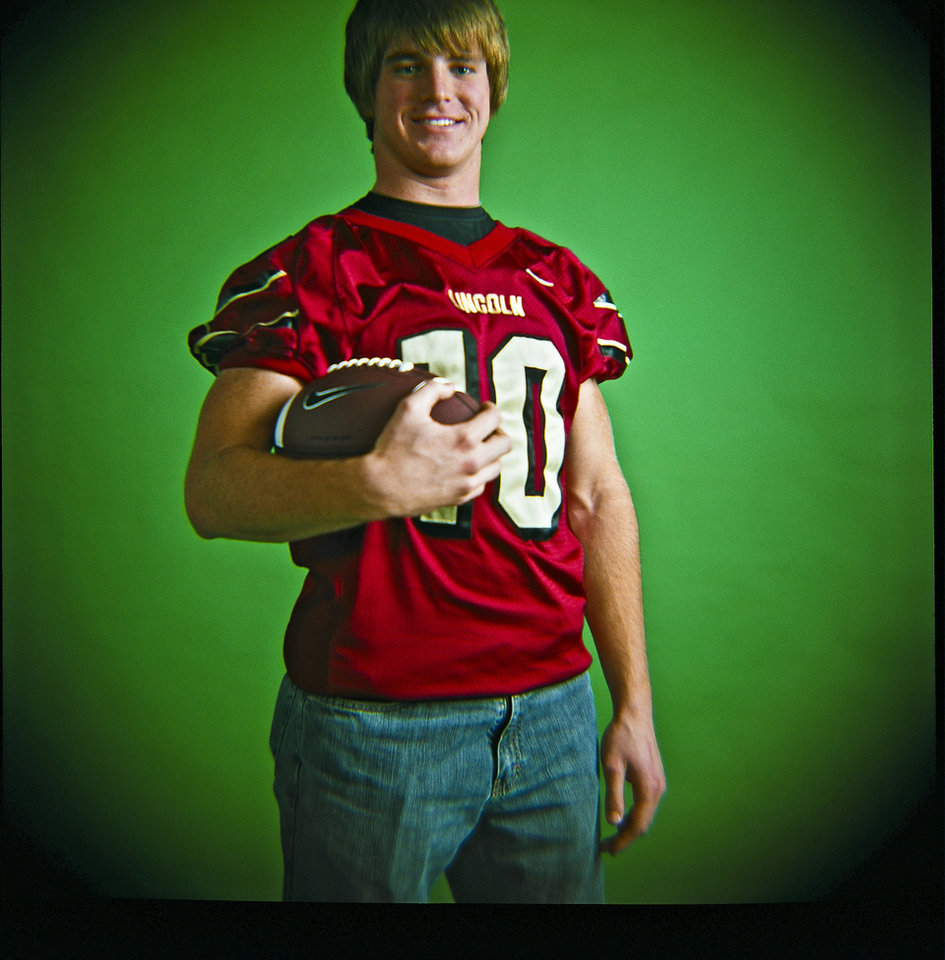 Roman Wilson of Lincoln Christian High School on Monday, Dec. 14, 2009, in Oklahoma City, Okla.   Photo by Chris Landsberger, The Oklahoman