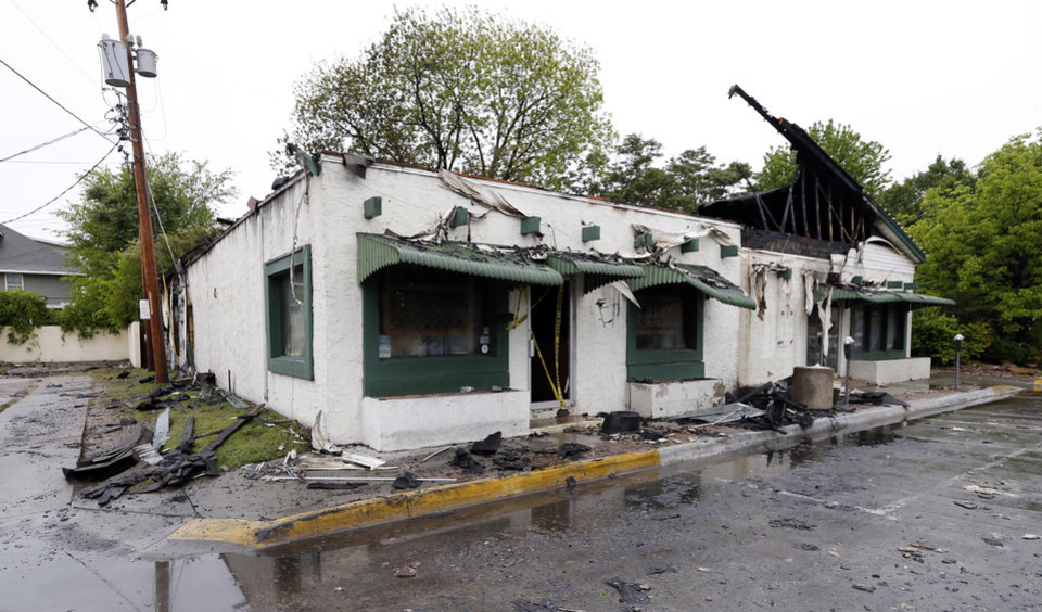 Photo -  Othello's Italian Restaurant closed for 15 months after a fire caused by lightning on April 29, 2017, in Norman. [Photo by Steve Sisney, The Oklahoman]