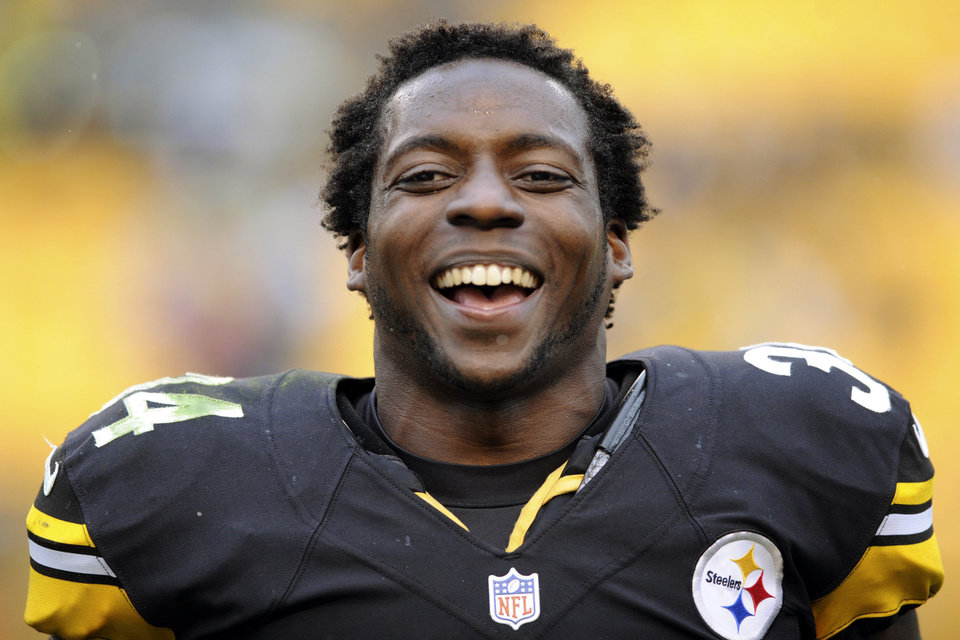 Photo -   Pittsburgh Steelers running back Rashard Mendenhall smiles after their 16-14 win over the Philadelphia Eagles, Sunday, Oct. 7, 2012, in Pittsburgh. (AP Photo/Altoona Mirror, J.D. Cavrich)