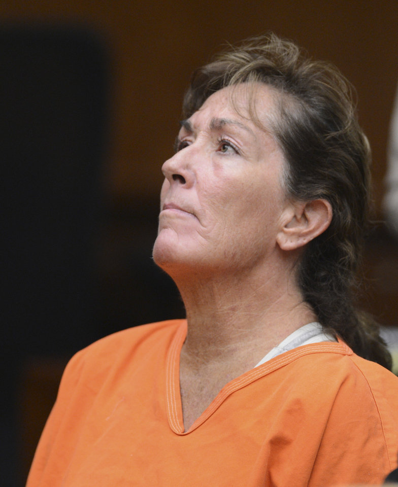Photo -   Sherri Wilkins, a substance abuse counselor, appears in Los Angeles Superior Court in Torrance, Calif., Tuesday, Nov. 27, 2012. Wilkins, 51, who was allegedly driving under the influence, has been accused of striking a pedestrian and then drove for more than two miles with the dying victim lodged in the windshield and on the hood of her car. Los Angeles County prosecutors have filed murder and drunken-driving charges against Wilkins. The victim, Phillip Moreno, 31, died later at a hospital. (AP Photo/Daily Breeze,Brad Graverson, Pool)