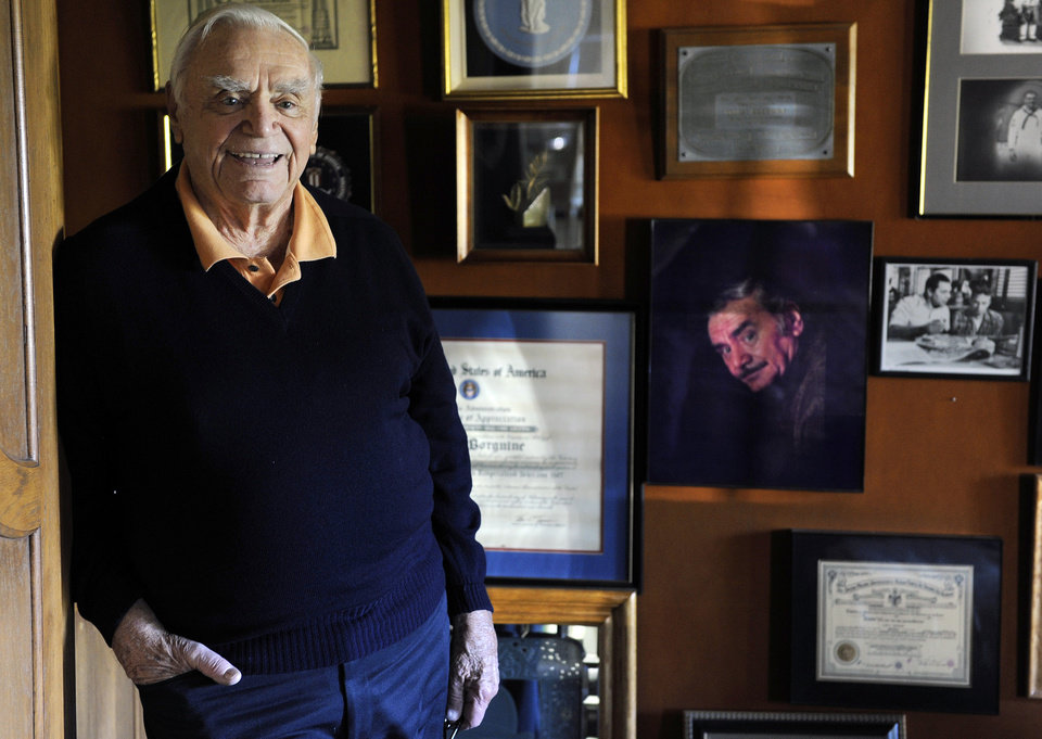 Photo -   FILE - In this Oct. 26, 2010, file photo, actor Ernest Borgnine poses for a portrait at his home in Beverly Hills, Calif. A spokesman said Sunday, July 8, 2012, that Borgnine has died at the age of 95. (AP Photo/Chris Pizzello, File)