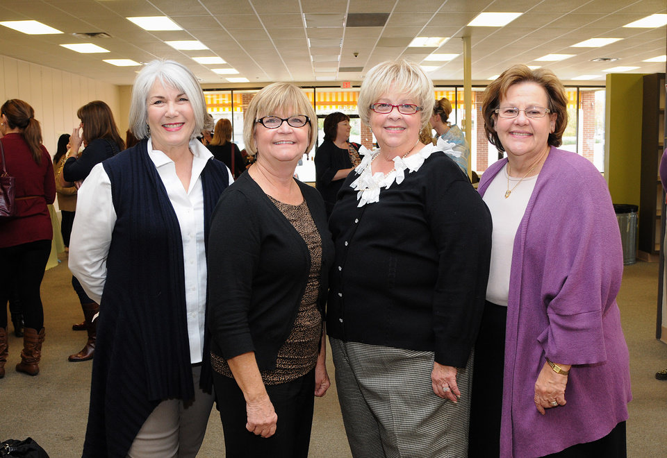 Jeary Seikel, Peggy Burris, Carol Sue Taylor, Gayle Semtner were among the people at the party. (Photo by David Faytinger).