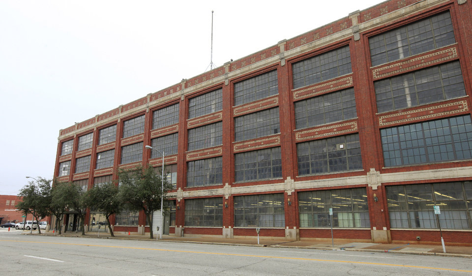 Photo -  The former Fred Jones assembly plant in the 900 block of W Main is set to be converted into a 21C Museum Hotel. PHOTO BY PAUL B. SOUTHERLAND, THE OKLAHOMAN   PAUL B. SOUTHERLAND -