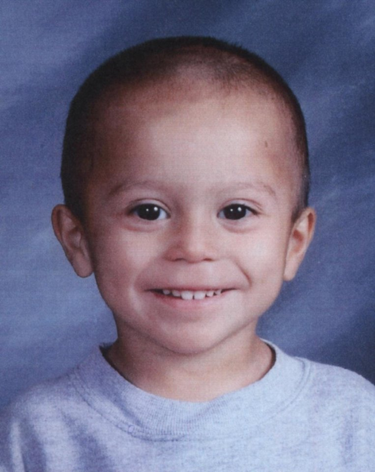Photo - MURDER VICTIM / CHILD ABUSE / DHS: JaJuan Flowers, 4, was killed after Oklahoma Department of Human Services placed him in a household that had been rejected by Arkansas authorities because of a history of domestic violence and other problems. Flowers' stepmother is charged with second-degree murder in his death.  ORG XMIT: KOD