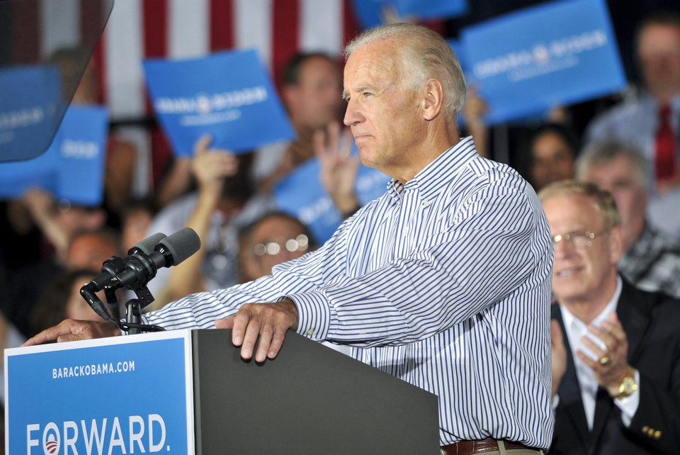 Photo -   Vice President Joe Biden speaks during a campaign stop at the United Auto Workers Local 1714 Union Hall, Friday, Aug. 31, 2012, in Lordstown, Ohio. (AP Photo/Mark Stahl)