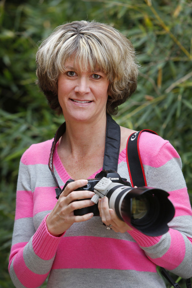 Photographer Sara Hurt is helping raise money for a new hospital at the Oklahoma City Zoo. Photo By Steve Gooch, The Oklahoman <strong>Steve Gooch - The Oklahoman</strong>
