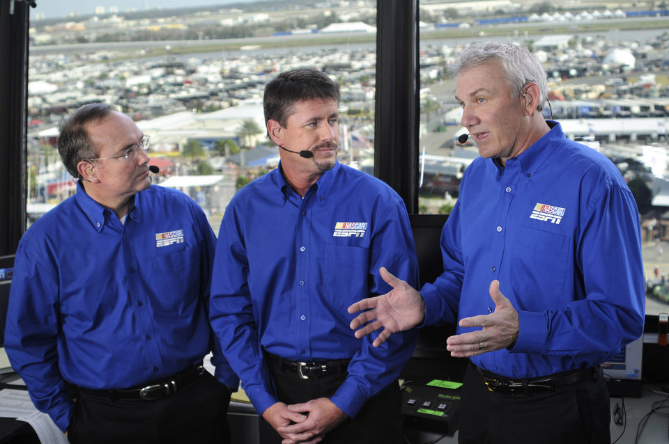 Photo - Saturday, Feb. 16, 2008 -- Daytona Beach, Fla. --     AUTO RACING: NASCAR on ESPN with lead announcer Dr. Jerry Punch (l) and analysts Andy Petree and Dale Jarrett ORG XMIT: 0907232143329344