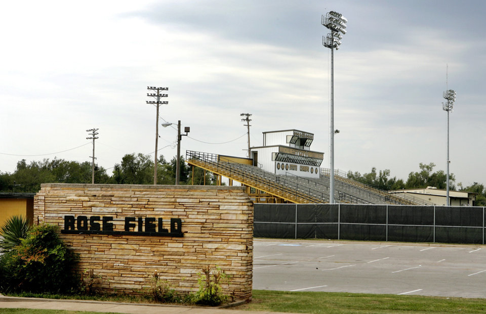EXTERIOR / SIGN / STANDS / BLEACHERS: Midwest City High School football stadium (Rose Field) , Wednesday, Sept. 9, 2009  Photo by Jim Beckel, The Oklahoman ORG XMIT: KOD