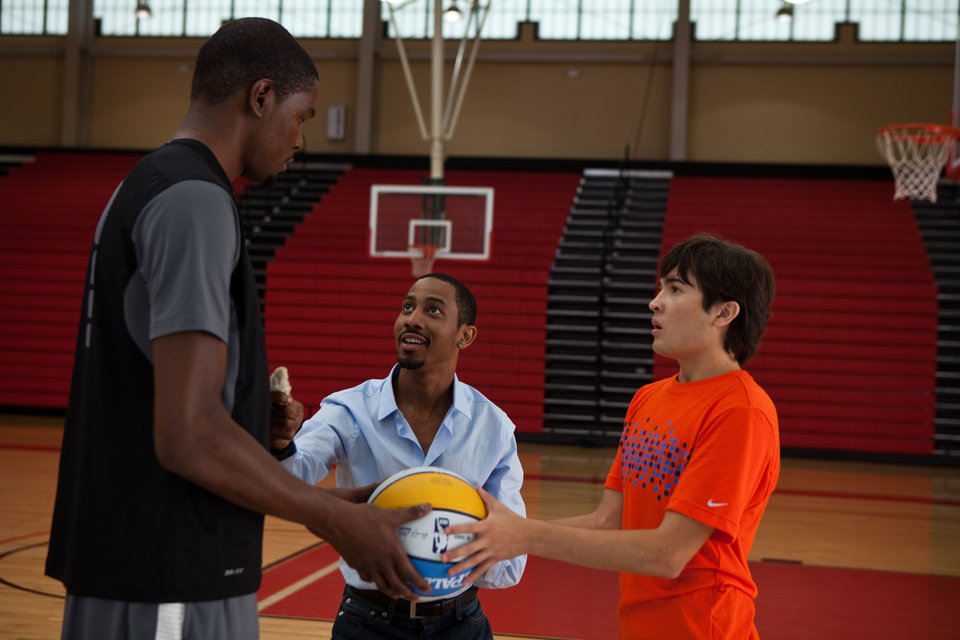 Kevin Durant, Brandon T. Jackson and Taylor Gray in Warner Premiere?s Thunderstruck. .2012 Warner Bros. Entertainment Inc.  <strong></strong>