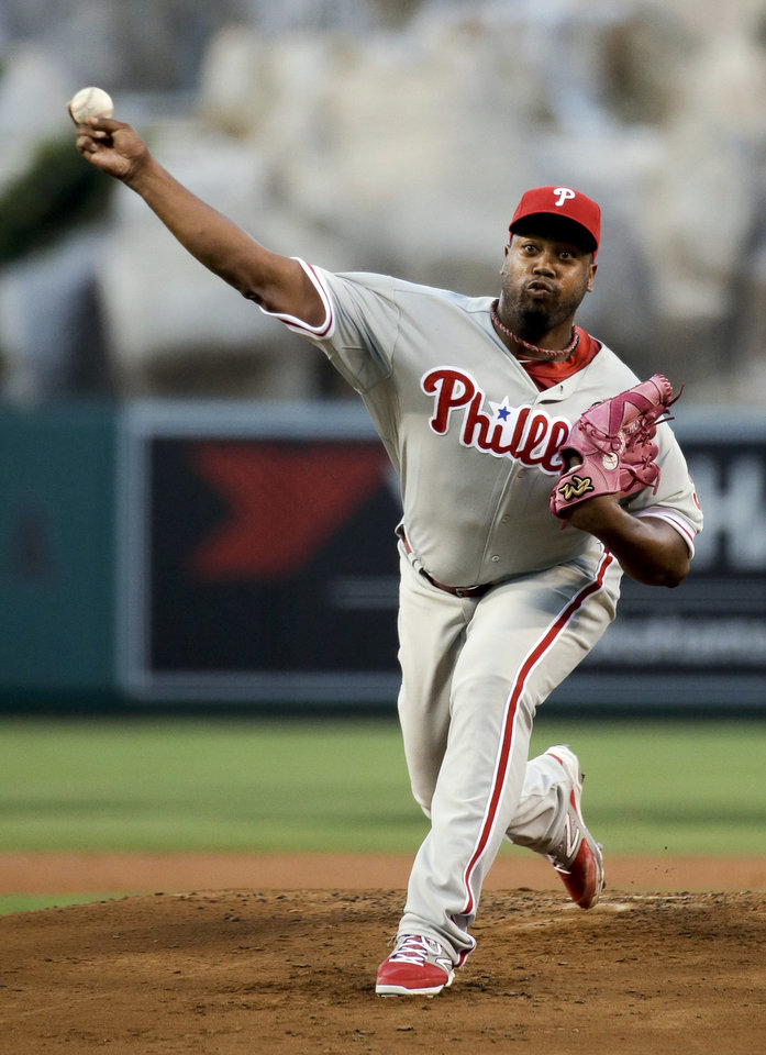 Photo - Philadelphia Phillies starting pitcher Jerome Williams throws to the Los Angeles Angels during the first inning of a baseball game in Anaheim, Calif., Tuesday, Aug. 12, 2014. (AP Photo/Chris Carlson)