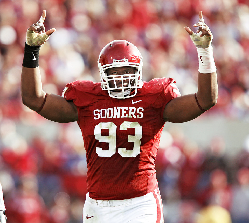 Photo - OU's Gerald McCoy is projected to be a first-round NFL draft pick and might be the best defensive tackle in the nation. Photo by Chris Landsberger, The Oklahoman