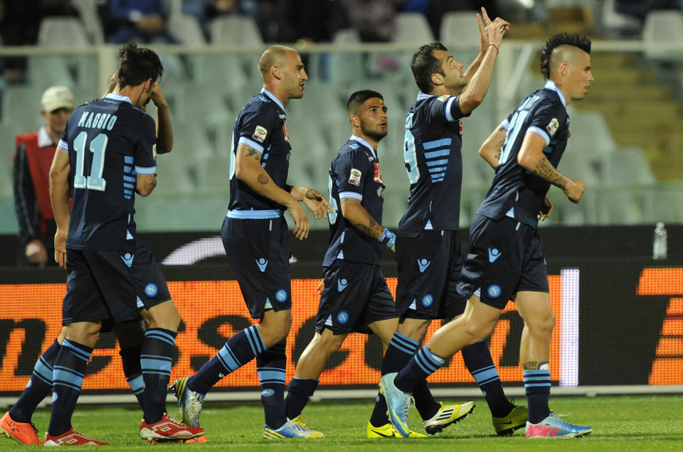 Napoli Macedonian forward Goran Pandev, second right, celebrates after scoring during a Serie A soccer match between Pescara and Napoli, at the Adriatico stadium in Pescara, Italy, Saturday, April 27, 2013. (AP Photo/Sandro Perozzi)