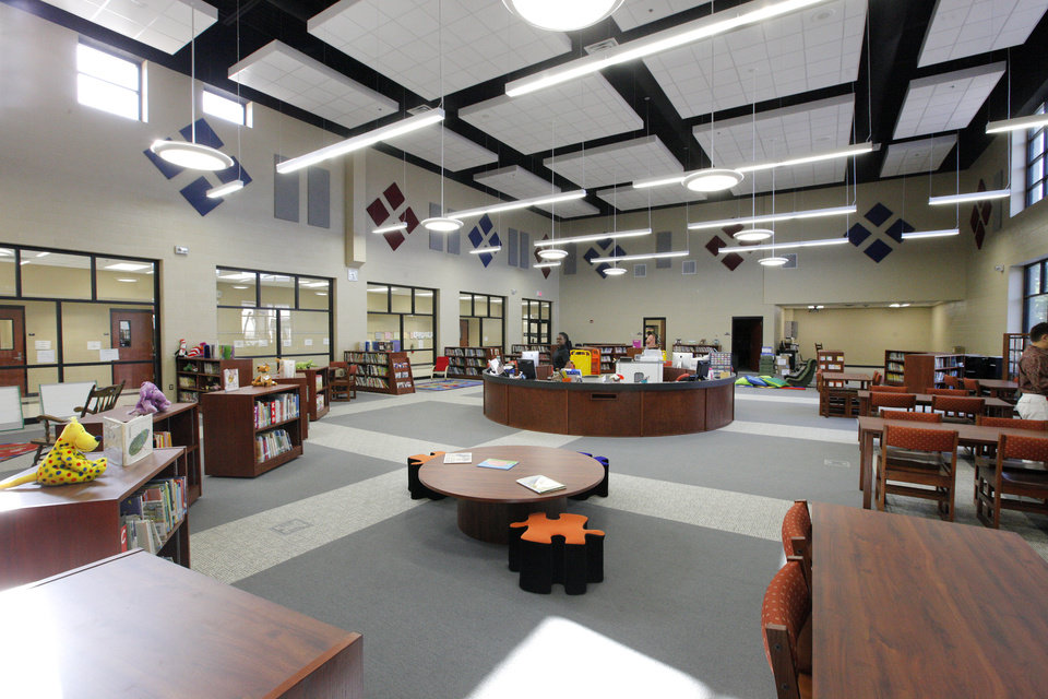 Photo -  The media center at Arbor Grove Elementary School has acoustic panels that help keep the noise down. Photo by Paul B. Southerland, The Oklahoman   PAUL B. SOUTHERLAND -