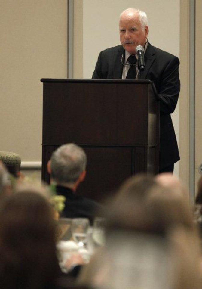 "Academy Award winning actor Richard Dreyfuss speaks during the Oklahoma Outreach Foundation's ""An Evening of Courage & Inspiration,"" at the Skirvin Hotel in Oklahoma City, Tuesday, October 11, 2011. Photo by Bryan Terry, The Oklahoman ORG XMIT: KOD <strong>BRYAN TERRY - THE OKLAHOMAN</strong>"