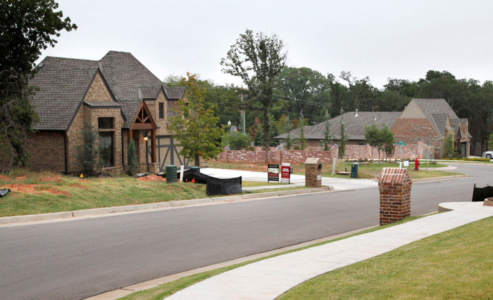 Oklahoma city homebuilders show new wares at parade of for New home builders okc