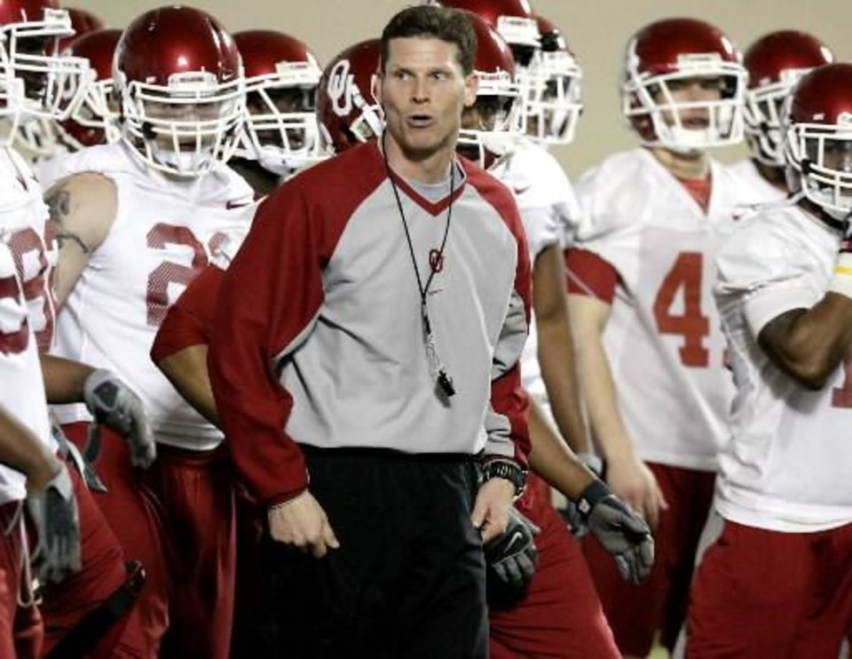 Defensive coordinator Brent Venables leads the defense during practice at the Everest Training Facility on the University of Oklahoma campus in Norman on Monday, March 8, 2010. Photo by John Clanton