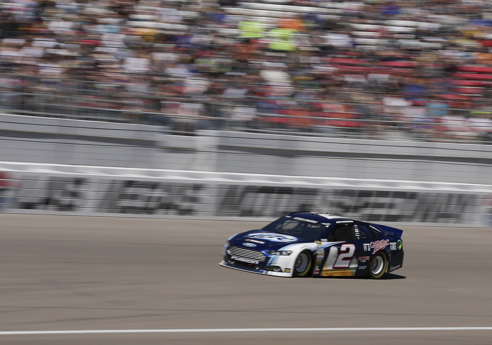 Brad Keseslowski makes his way along the front stretch during the NASCAR Sprint Cup Series auto race, Sunday, March 10, 2013 in Las Vegas. (AP Photo/Julie Jacobson)