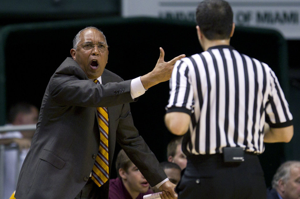 Photo -   Minnesota coach Tubby Smith protests a foul call during the first half of the second round of the NIT tournament NCAA college basketball game in Coral Gables, Fla., Monday, March 19, 2012 against Miami. (AP Photo/J Pat Carter)
