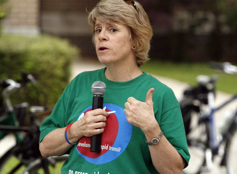 Photo - Mayor Cindy Rosenthal speaks to a gathering of bicyclists at city hall  on Bike to Work day in Norman, Okla. on Friday, May 1, 2009.   Photo by Steve Sisney, The Oklahoman